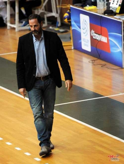 Μουστακίδης: «Η ομάδα είναι άρρωστη»